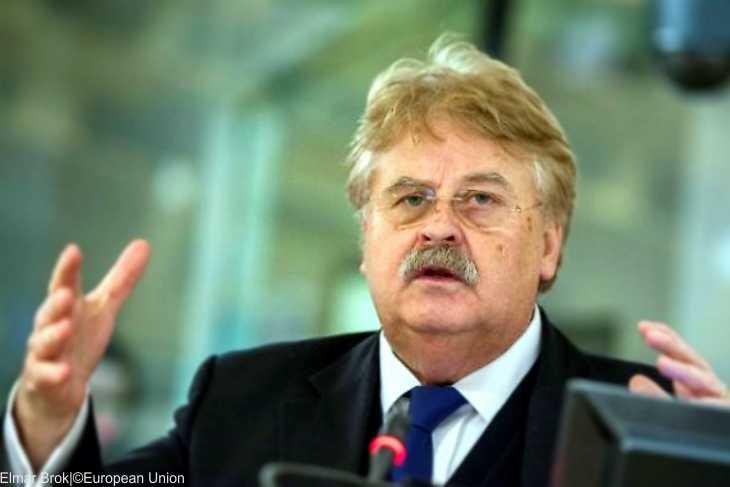 Übertrieben: Europäische Staatsbegräbnis für Helmut Kohl