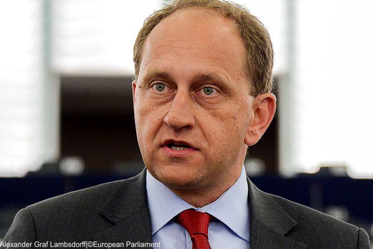 EU-Vize-Parlamentspräsident Graf Lambsdorff verteidigt Draghis Niedrigzinspolitik