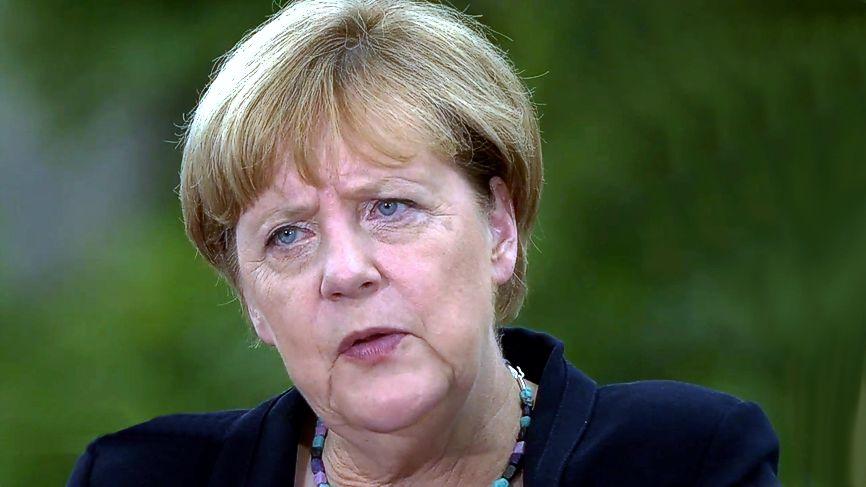 Merkels Erklär-Offensive ihrer verfehlten Flüchtlingspolitik