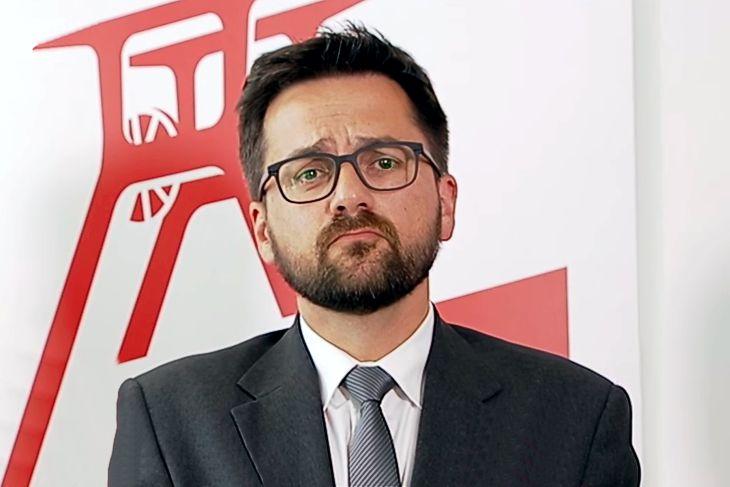 NRW-Justizminister Kutschaty fordert Toiletten-Putzen und Stadion-Verbote zur Ahndung von Straftaten