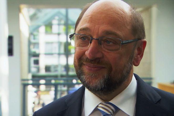 """SPD-Kanzlerkandidat Martin Schulz zur Verwirrung um die Obergrenze: """"Seehofer spielt mit den Menschen"""""""