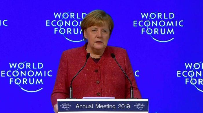 Angela Merkel beim WEF in Davos: Erst Deutschland und dann die ganze Welt in den Ruin treiben