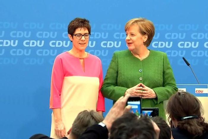 Politiker-Ranking: Spitzenplätze für Merkel und Habeck